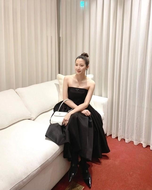 """""""Đại sứ hụt của Prada"""" Trịnh Sảng gây tiếc nuối khi đụng hàng mỹ nhân """"True Beauty"""" và Joy (Red Velvet) ảnh 2"""