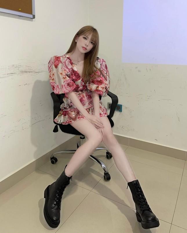 """Đổi style """"bánh bèo"""" nhưng không hề yếu đuối, netizen khen """"Thiều Bảo Trâm đẹp nhất khi không thuộc về ai"""" ảnh 6"""