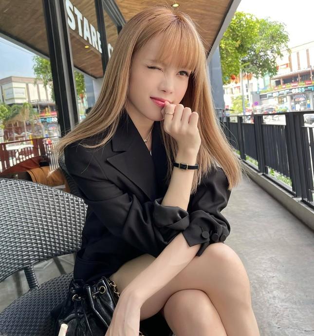 """Đổi style """"bánh bèo"""" nhưng không hề yếu đuối, netizen khen """"Thiều Bảo Trâm đẹp nhất khi không thuộc về ai"""" ảnh 10"""