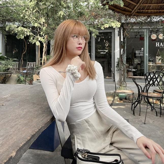 """Đổi style """"bánh bèo"""" nhưng không hề yếu đuối, netizen khen """"Thiều Bảo Trâm đẹp nhất khi không thuộc về ai"""" ảnh 8"""