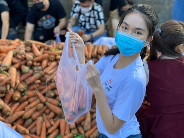 """Á hậu Phương Anh cùng dàn người đẹp chung tay """"giải cứu"""" 5 tấn nông sản Hải Dương ảnh 6"""