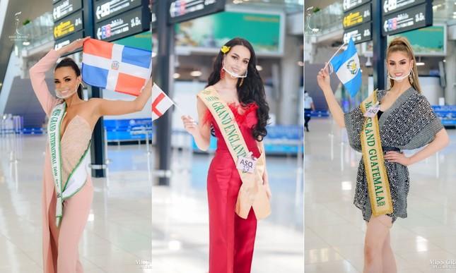 Muôn hình muôn vẻ các loại khẩu trang từ dàn đối thủ của Ngọc Thảo tại Miss Grand International 2020 ảnh 11