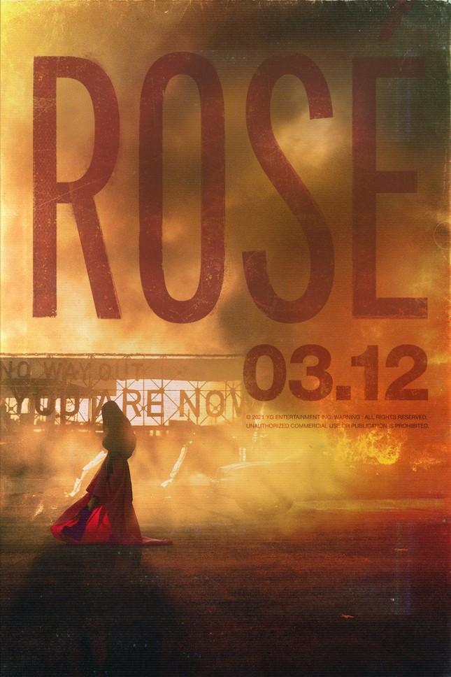 """Nửa đêm YG tung poster thông báo ngày Rosé chính thức solo, netizen kêu """"vẹo cả cổ"""" ảnh 1"""
