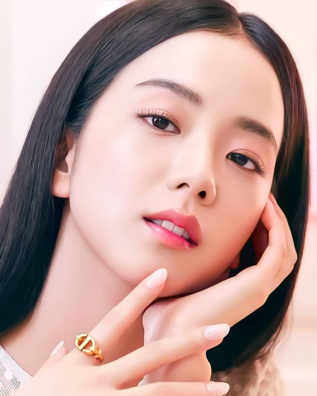 Vì sao Jisoo được chuyên gia phẫu thuật thẩm mỹ nhận định là idol xinh đẹp nhất K-Pop? ảnh 3
