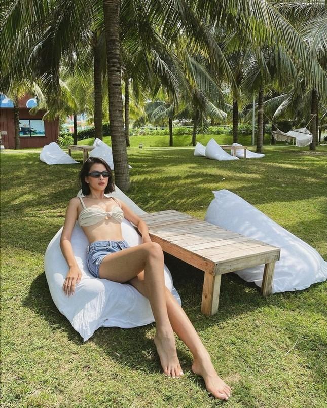 Chưa đến mùa Hè mà dàn mỹ nhân Việt đã tưng bừng diện đồ bơi khoe khéo dáng chuẩn ảnh 8