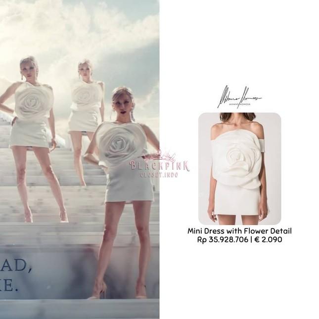 """""""Bóc giá"""" loạt váy của Rosé trong MV """"On The Ground"""", trang phục đắt giá nhất cực bất ngờ ảnh 7"""
