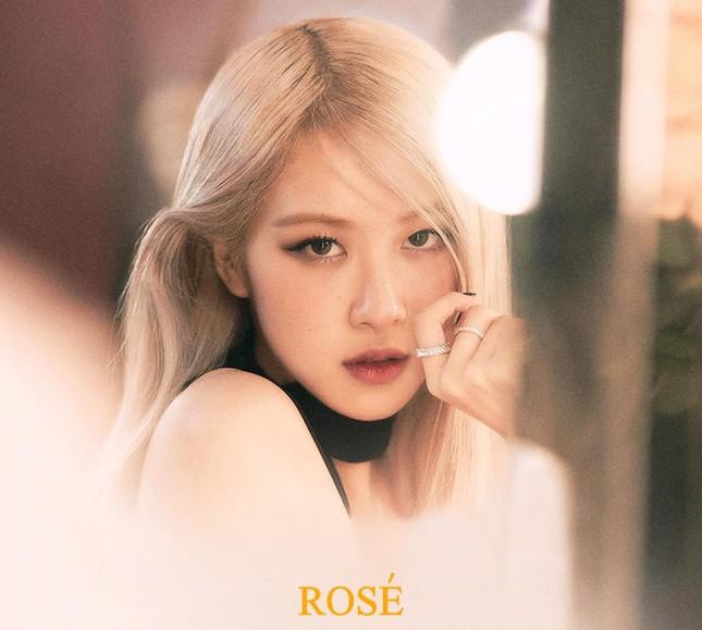 """Netizen Hàn tranh cãi về """"On The Ground"""", cho rằng Rosé đã """"không trung thực""""? ảnh 1"""