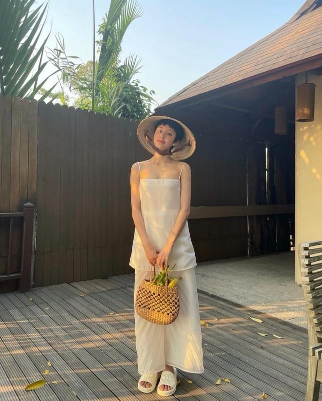 Kaity Nguyễn, Nhã Phương, Ninh Dương Lan Ngọc lăng xê set trang phục đi biển sang chảnh ảnh 6