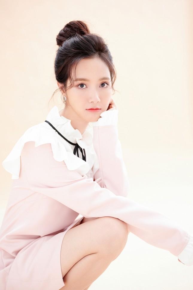 Ca sĩ Jang Mi khoe nhan sắc đẹp như hoa như ngọc trong bộ ảnh mừng sinh nhật ảnh 3