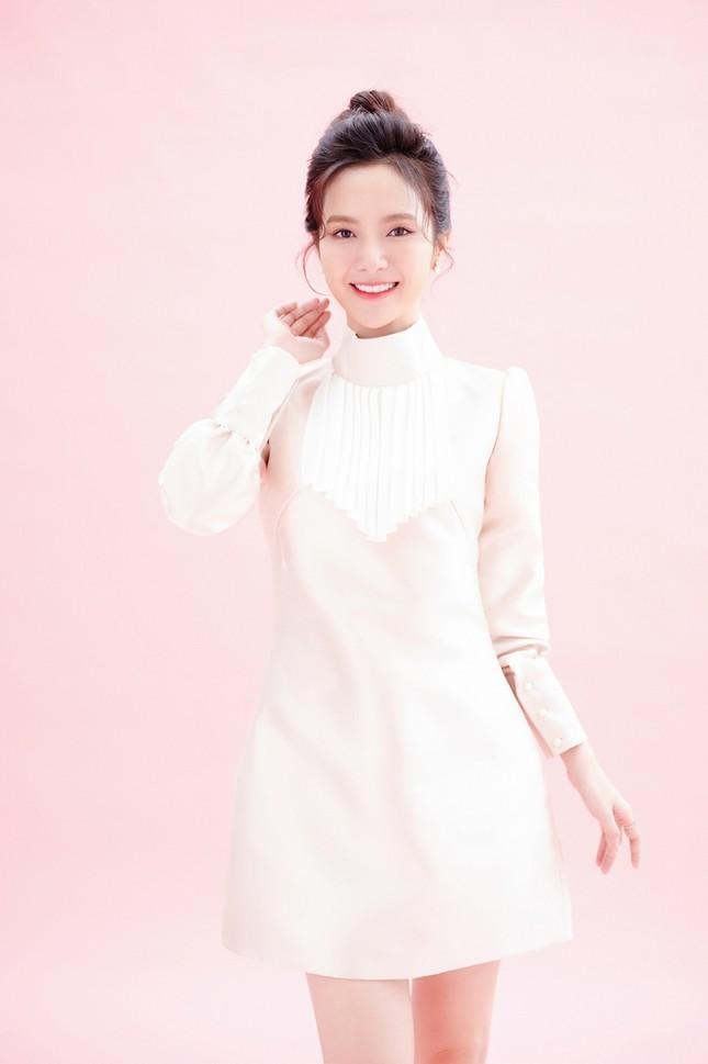 Ca sĩ Jang Mi khoe nhan sắc đẹp như hoa như ngọc trong bộ ảnh mừng sinh nhật ảnh 4