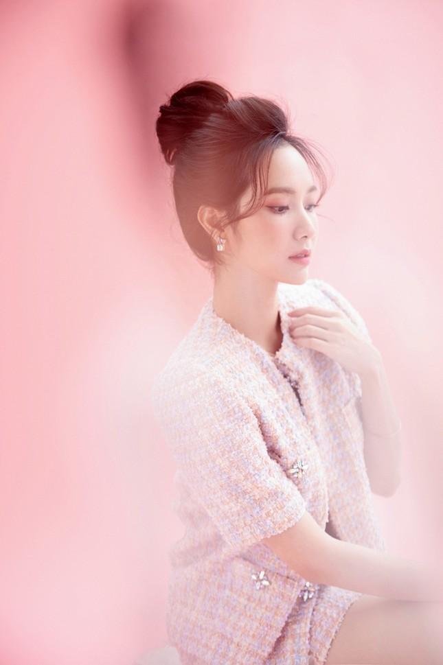 Ca sĩ Jang Mi khoe nhan sắc đẹp như hoa như ngọc trong bộ ảnh mừng sinh nhật ảnh 1