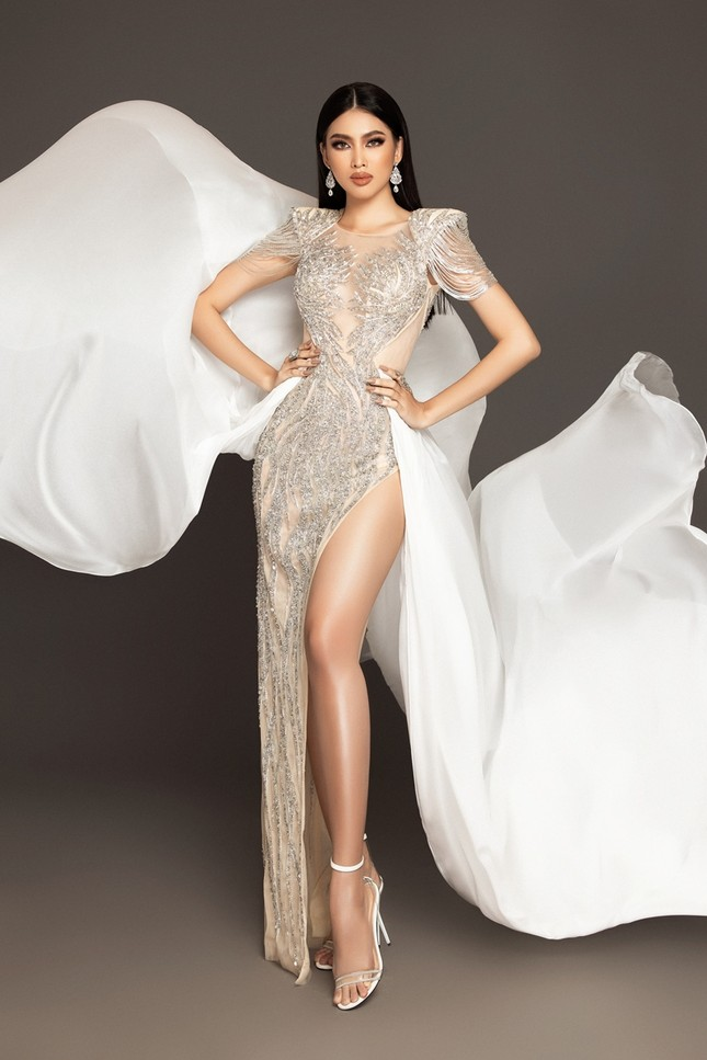 Cận cảnh bộ váy ý nghĩa của của Ngọc Thảo dự thi đêm Bán kết Miss Grand International 2020 ảnh 2