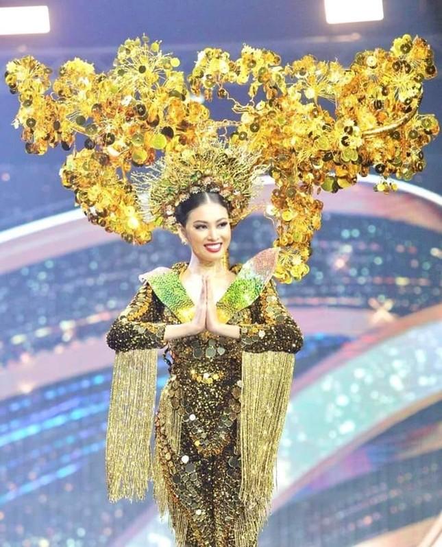 Màn trình diễn quốc phục với thần thái đỉnh cao của Ngọc Thảo tại Miss Grand International ảnh 2
