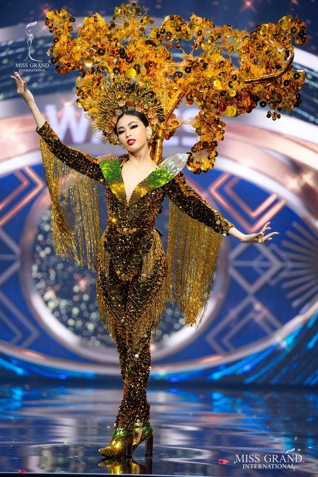 Màn trình diễn quốc phục với thần thái đỉnh cao của Ngọc Thảo tại Miss Grand International ảnh 1