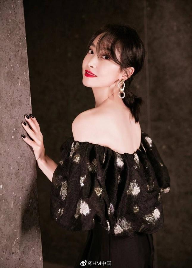 Lý do H&M và nhiều thương hiệu lớn bị tẩy chay ở Trung Quốc, các đại sứ đòi ngừng hợp tác? ảnh 2