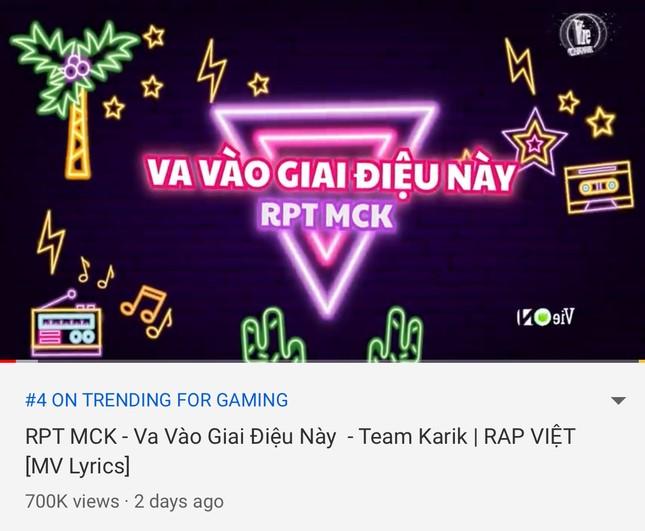 """Những tiết mục bị chê """"nhạt"""" ở Rap Việt nhưng lại """"công phá"""" hàng loạt bảng xếp hạng ảnh 2"""