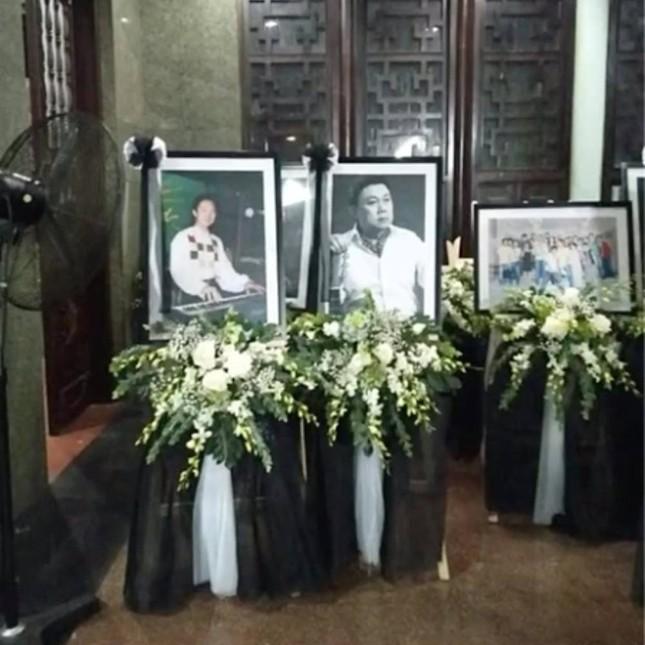 Nhiều nghệ sĩ đành gửi lời tiễn biệt vì không thể dự tang lễ của cố nghệ sĩ Chí Tài ảnh 1