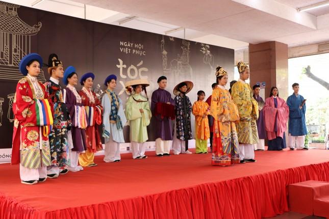 """Đạo diễn Kawaii Tuấn Anh ấm lòng trước giá trị văn hóa Việt ở ngày hội """"Tóc Xanh Vạt Áo"""" ảnh 2"""