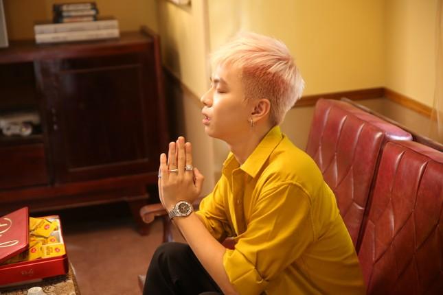 """Không còn theo hình tượng """"bad boy"""", RTee đưa văn hóa tín ngưỡng dân gian vào MV mới ảnh 2"""