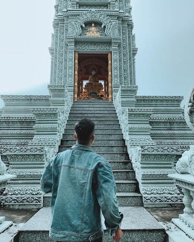 """Choáng ngợp trước vẻ đẹp """"vạn người mê"""" của ngôi chùa Khmer nổi tiếng tại Sóc Trăng ảnh 5"""