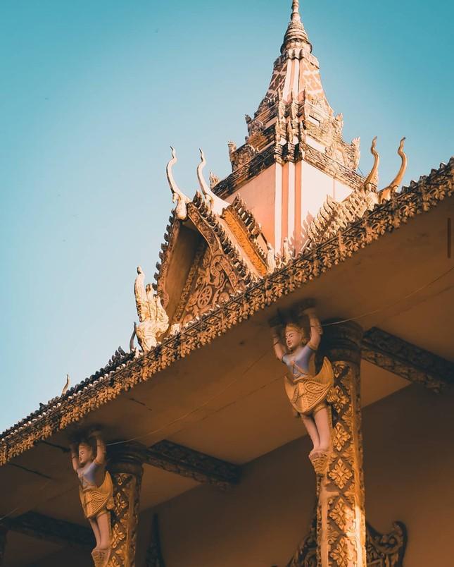 """Choáng ngợp trước vẻ đẹp """"vạn người mê"""" của ngôi chùa Khmer nổi tiếng tại Sóc Trăng ảnh 3"""