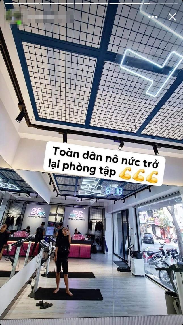 """Giới trẻ Sài Gòn nô nức khoe ảnh """"check-in"""" trở lại phòng gym đầy khí thế ảnh 2"""