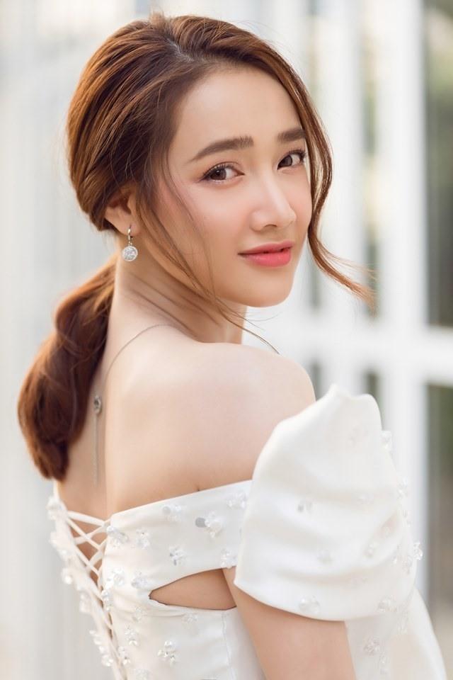 Thu Trang, Nhã Phương, Lâm Vỹ Dạ - hội nữ chủ tịch đa năng của showbiz Việt ảnh 4