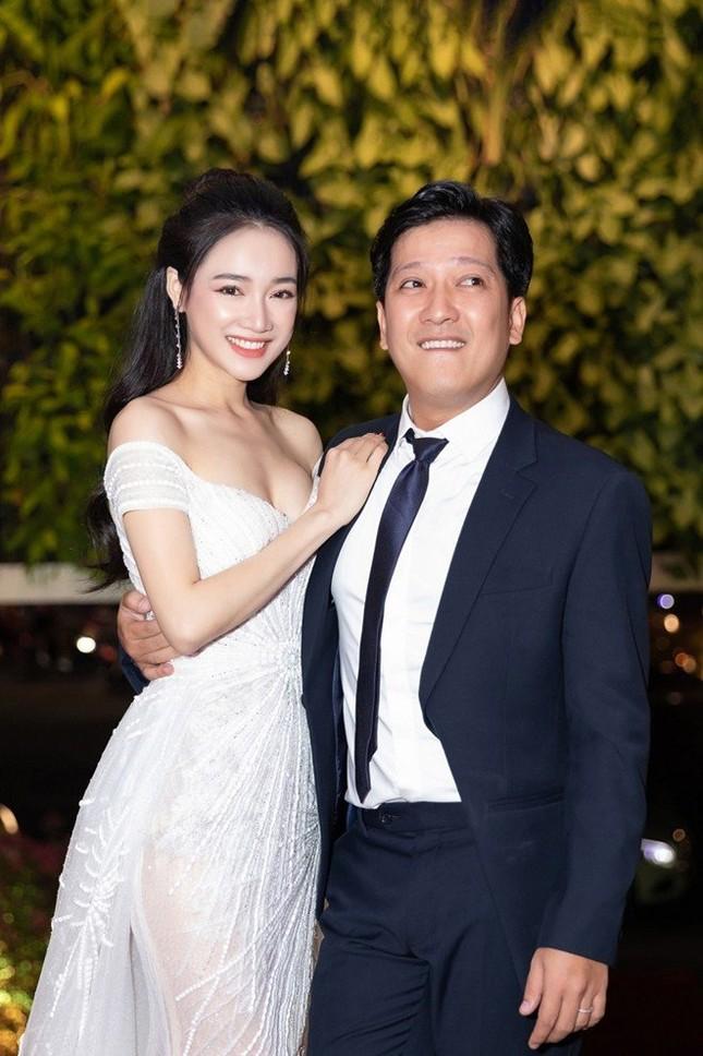 Thu Trang, Nhã Phương, Lâm Vỹ Dạ - hội nữ chủ tịch đa năng của showbiz Việt ảnh 5