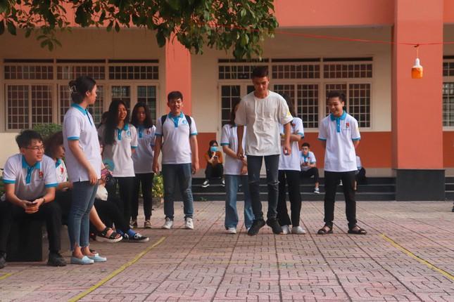 Sinh viên Nhân văn hào hứng tham gia chuỗi hoạt động kỷ niệm 90 năm thành lập Đoàn ảnh 1
