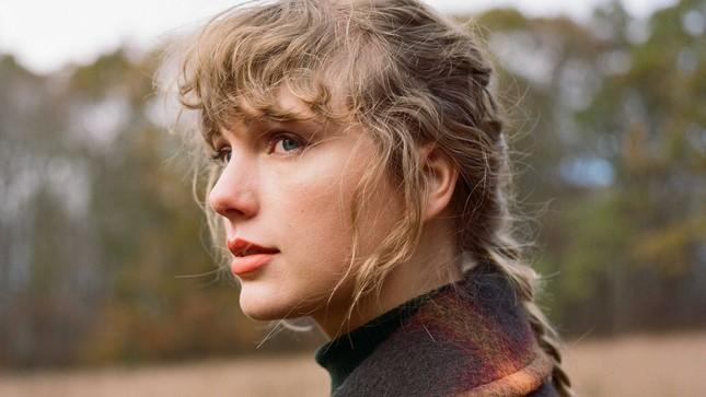 """Loạt kỉ lục mới được thiết lập bởi """"evermore"""" của Taylor Swift khiến nghệ sĩ khác ghen tị ảnh 1"""