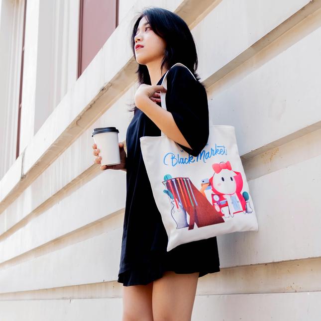 """Xuống phố thời """"hậu Cô Vy"""" với năng lượng tích cực từ túi canvas Thỏ Bảy Màu ảnh 3"""