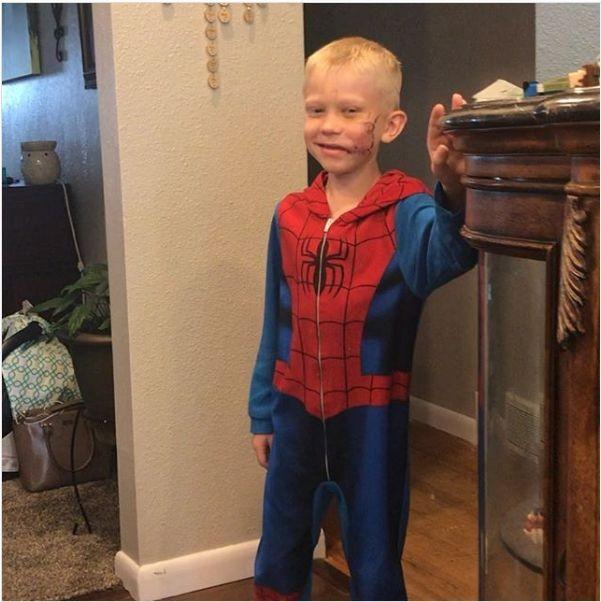 """Tom Holland mời cậu bé bị chó cắn vì cứu em gái đến phim trường """"Spider-Man 3"""" ảnh 2"""
