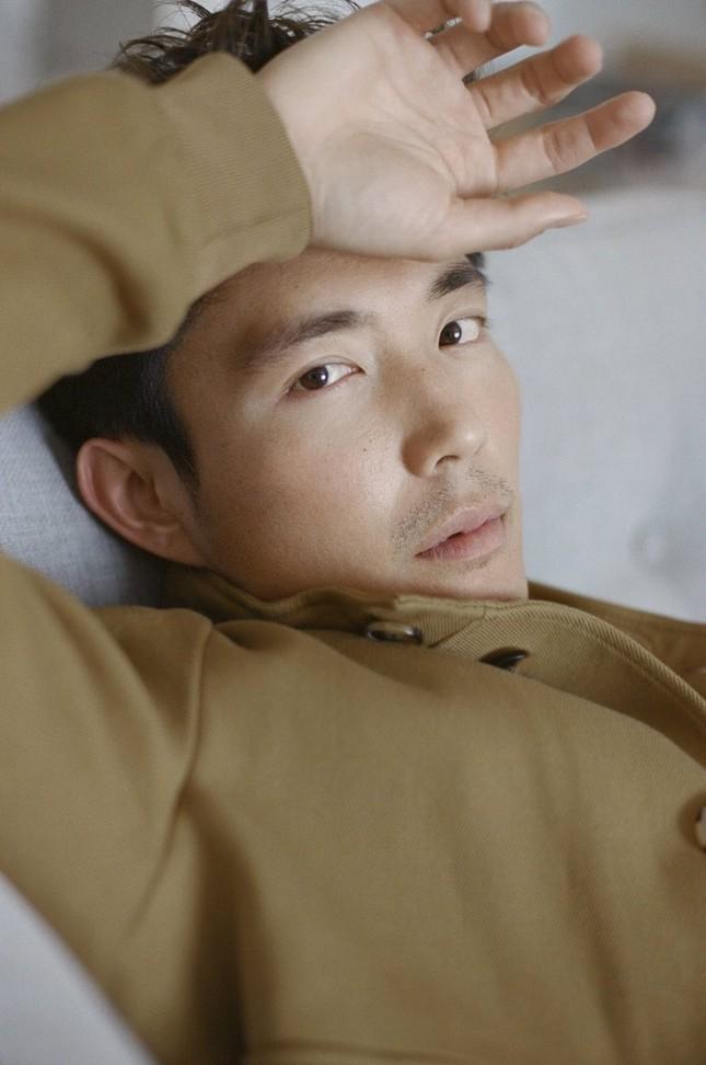 """Nam thần gốc Á """"trông hao hao"""" rapper Khói của """"The Umbrella Academy"""" là ai? ảnh 5"""