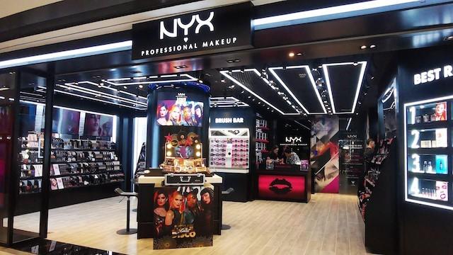 Hồng Kông suy thoái kinh tế trầm trọng, nhiều thương hiệu thời trang phải đóng cửa ảnh 6