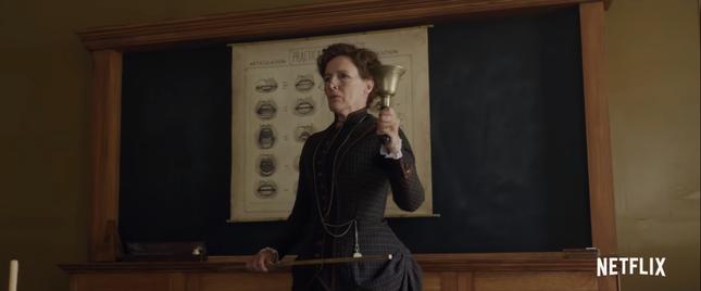 """Sao """"Stranger Things"""" hóa thân làm em gái Sherlock Holmes trong phim mới của Netflix ảnh 3"""