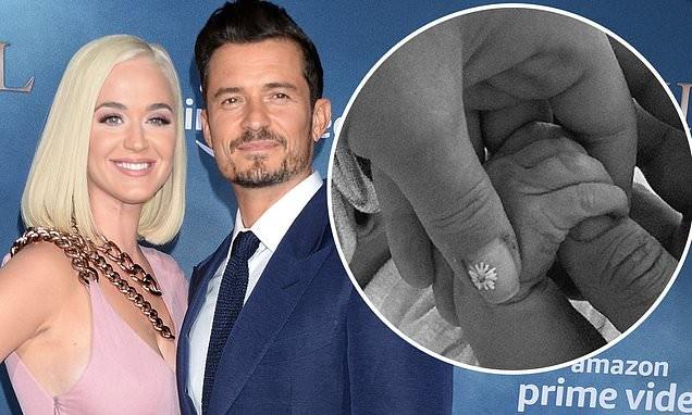 Katy Perry hạ sinh con đầu lòng, tên em bé mới nghe đã thấy ngát hương ảnh 1