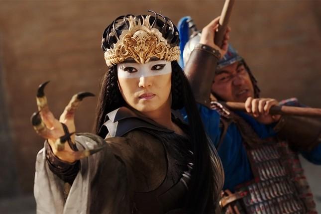 """Mulan - """"Bom tấn"""" live-action gây thất vọng, Lưu Diệc Phi không có khí chất của con nhà võ ảnh 1"""