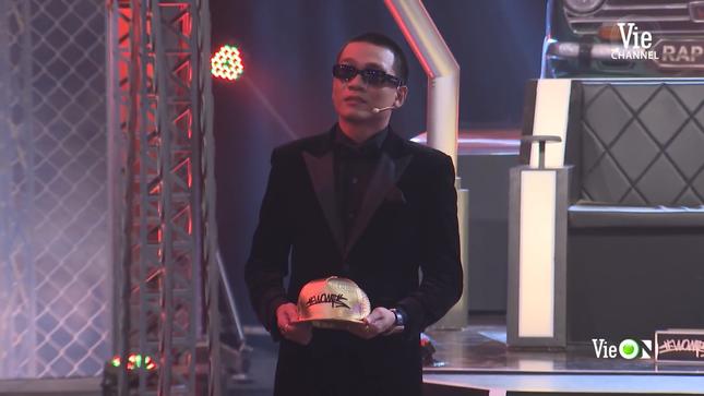 """Rap Việt: Hóa ra """"lão đại"""" Wowy vừa tình cảm, vừa hài hước và lầy lội như thế này đây ảnh 6"""