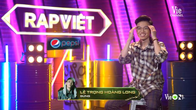 """""""Rap Việt"""": Tage - Gừng đối đầu nghẹt thở, Suboi nói gì trước nghi vấn thiên vị Tlinh? ảnh 2"""