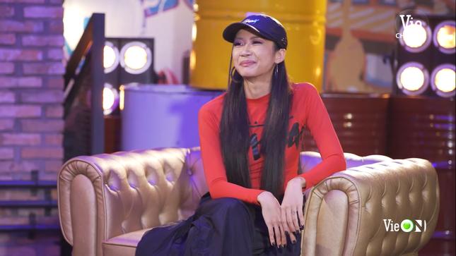 """""""Rap Việt"""": Tage - Gừng đối đầu nghẹt thở, Suboi nói gì trước nghi vấn thiên vị Tlinh? ảnh 3"""