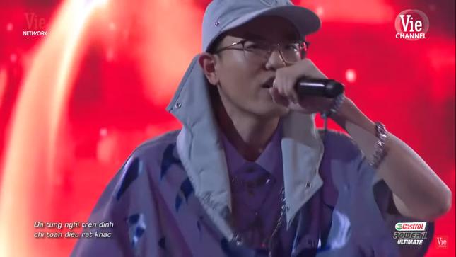 """Rap Việt: Gừng - Rapper trẻ """"cay nồng"""" khiến HLV Suboi """"cay mắt"""" vì tiếc nuối ảnh 7"""