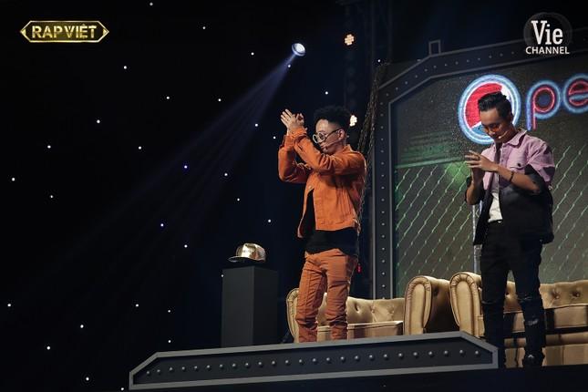 """""""Rap Việt"""": G.Ducky hiên ngang bước vào Chung kết, tỏa sáng với 4/6 phiếu bầu ảnh 13"""