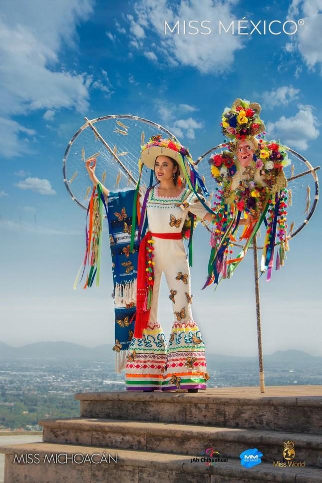 Choáng ngợp trước trang phục truyền thống lộng lẫy của các thí sinh Hoa hậu Mexico 2020 ảnh 2