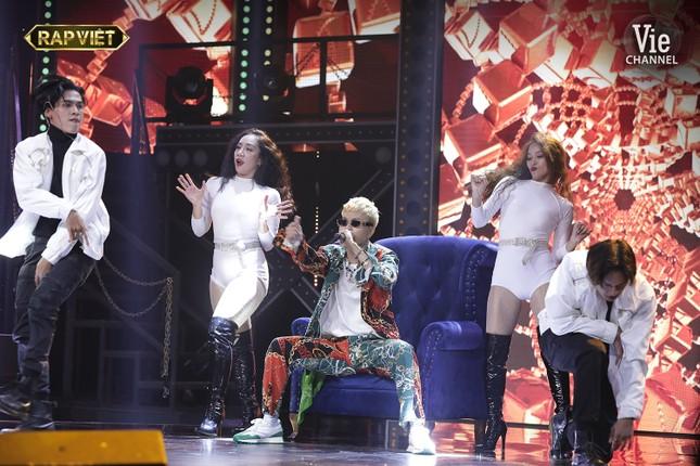 """""""Rap Việt"""": G.Ducky hiên ngang bước vào Chung kết, tỏa sáng với 4/6 phiếu bầu ảnh 9"""