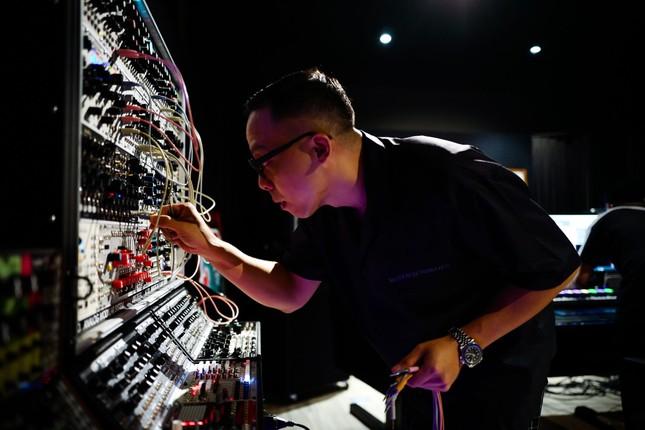 """Bộ tứ """"phù thủy âm nhạc"""" đứng sau thành công của hàng trăm tiết mục tại """"Rap Việt"""" ảnh 3"""