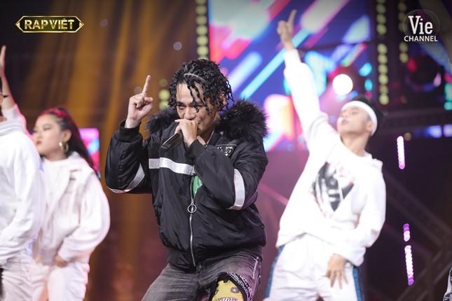 Ngang trái như Rap Việt: Tlinh lột xác nhưng vẫn mất suất vào Chung kết trước bạn trai ảnh 8