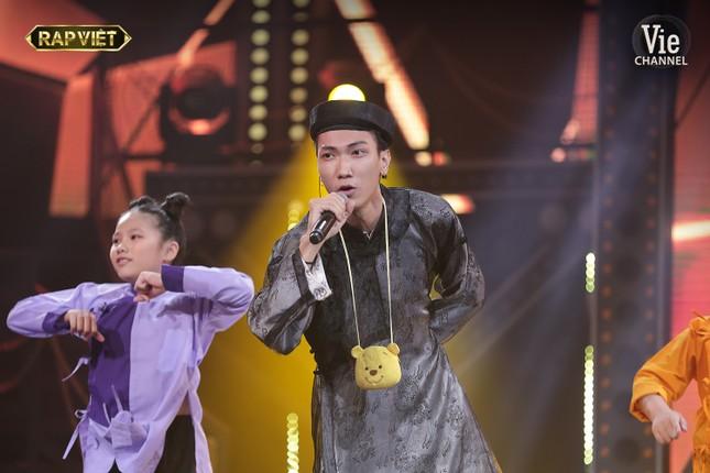 Ngang trái như Rap Việt: Tlinh lột xác nhưng vẫn mất suất vào Chung kết trước bạn trai ảnh 11
