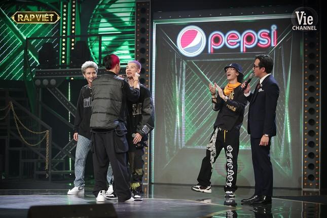 Ngang trái như Rap Việt: Tlinh lột xác nhưng vẫn mất suất vào Chung kết trước bạn trai ảnh 3