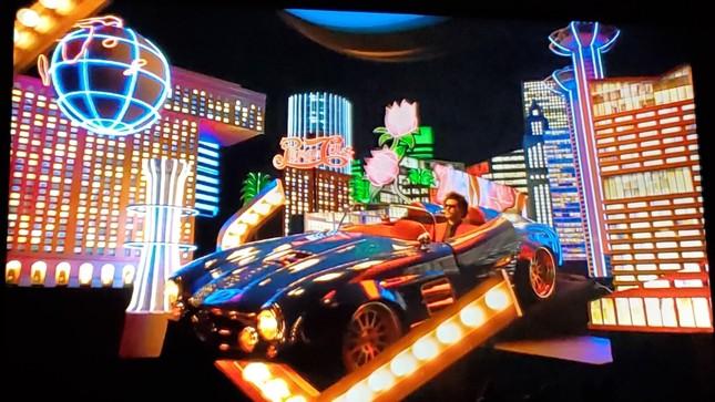"""Super Bowl Halftime Show 2021: The Weeknd một mình """"cân team"""", H.E.R hát mở màn ngọt như mía lùi ảnh 1"""