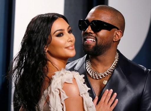 Vì sao Kim Kardashian ly hôn Kanye West nhưng netizen lại réo tên Taylor Swift, Drake? ảnh 1